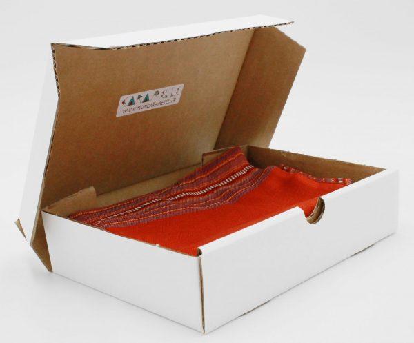 Abonnement box surprise housse de coussin et chemin de table Caramelle
