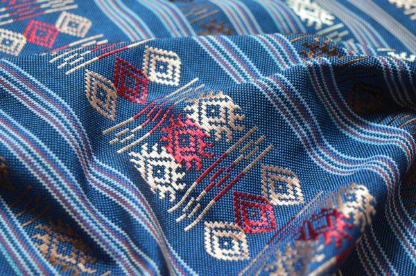 tissu motif ethnique bleu Caramelle
