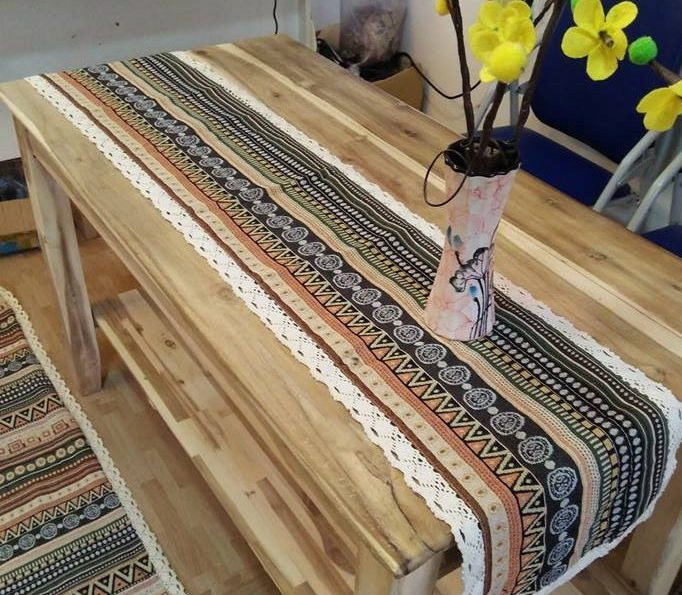 chemin de table motif ethnique Caramelle